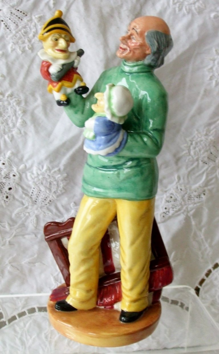 Royal Doulton Figurine Punch and Judy Man HN 2765