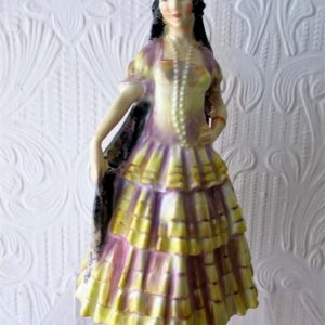 Royal Doulton A Spanish Lady HN 1290