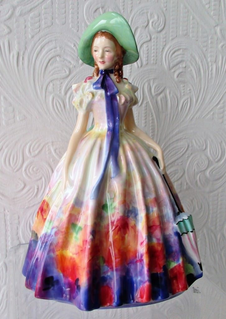 Royal Doulton Figurine Easter Day HN 2039
