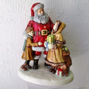 Royal Doulton Figurine Christmas Joy HN 5548