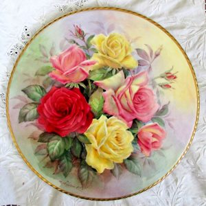 Reginald Johnson Roses from Sheila's Garden Cake Stand